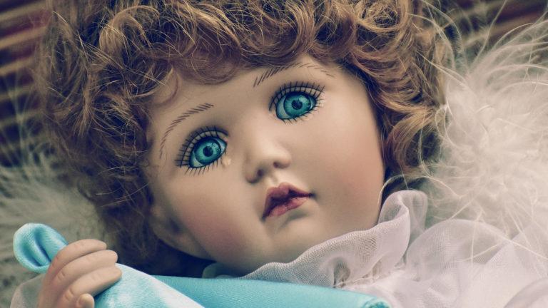 Плачеща кукла - снимка